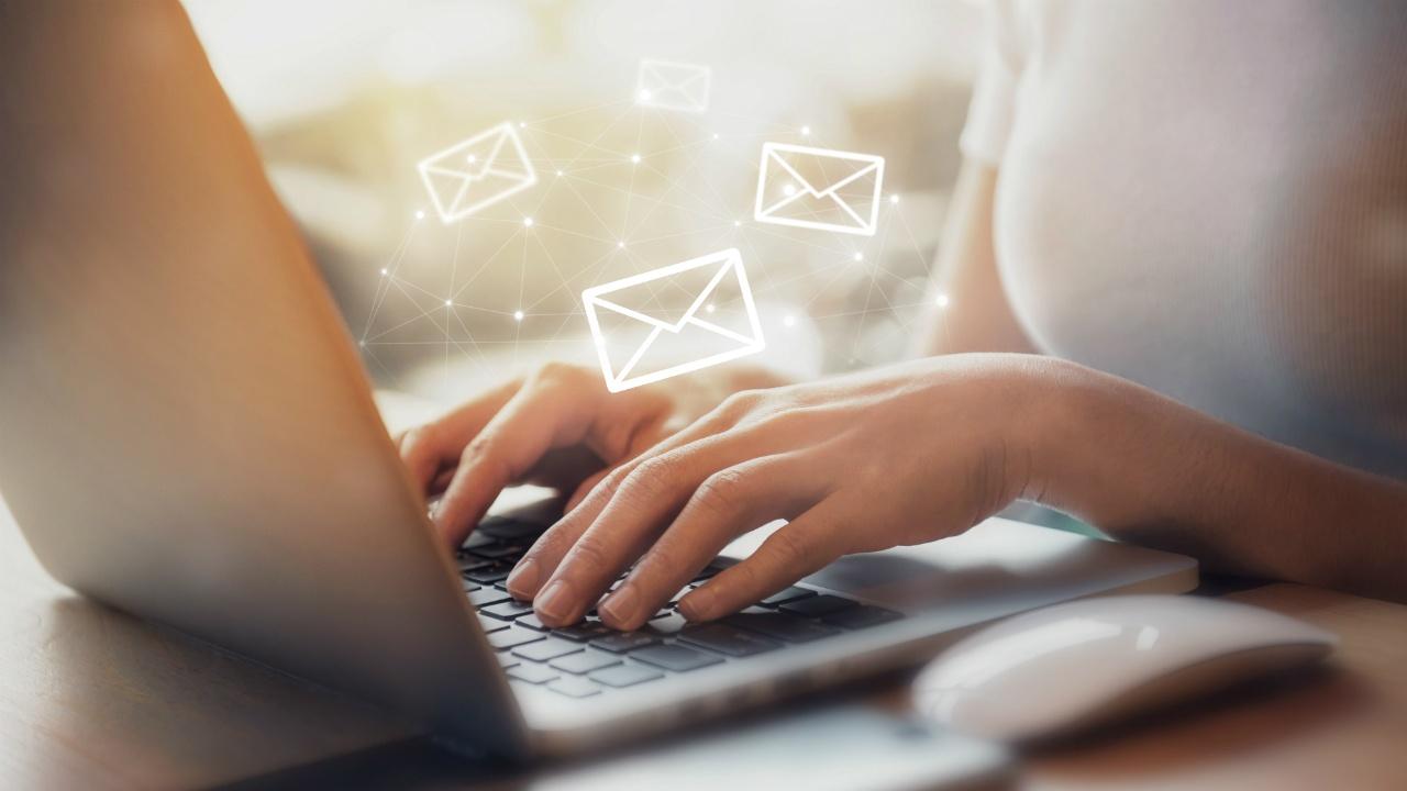 8-tips-para-escribir-contenido -de-marketing-exitoso-646100272