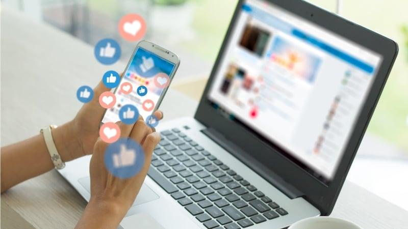 app de redes sociales en un celular
